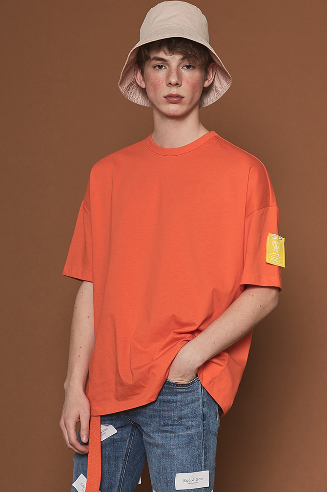 POINT LABAL OVER T-SHIRTS orange - 더니트컴퍼니