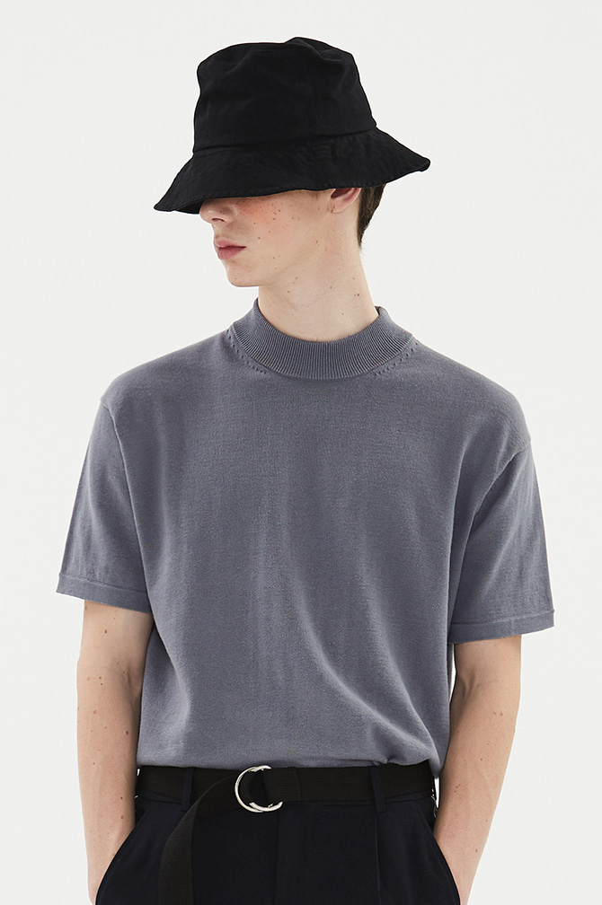 AUTHENTIC BUCKET HAT black